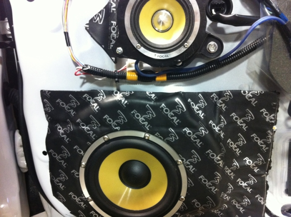 Mid installed above woofer. This setup is perfect for this car. Fits without any modification.