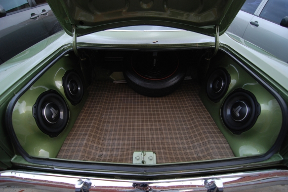 "Four 10"" subwoofers in this bad boy."