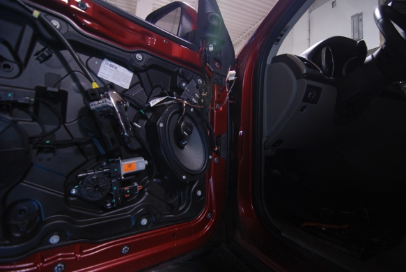 jeep-grand-cherokee-door-speaker-upgrade