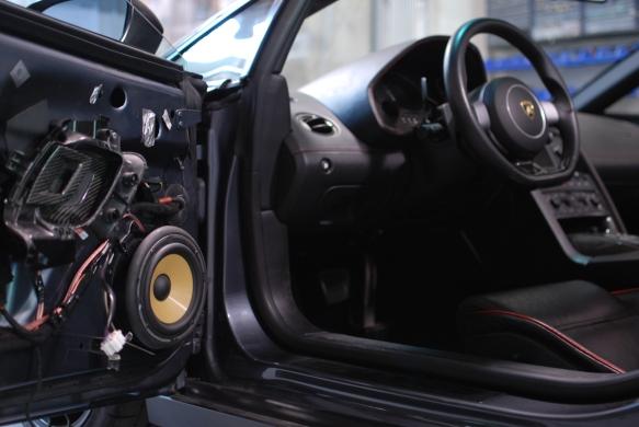 Focal 165 KR speaker fits nice.