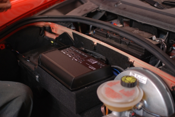 JL Audio XD700/5 Amplifier