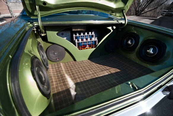 Roadrunner-Focal-utopia-no7-two-sets-front-and-rear-outdoor-loud-speakers-trunk-jl-audio-tw3-subwoofers