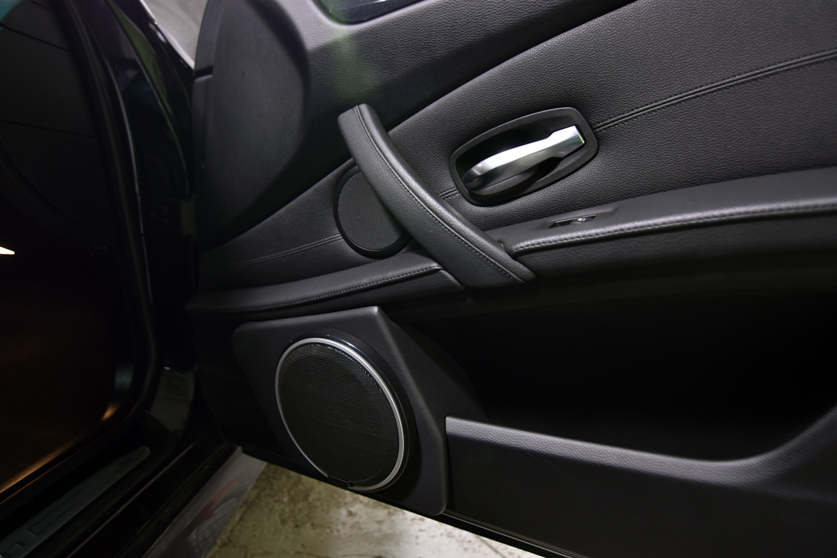 5 series bmw door panel modification to fit 6 5 speaker 3 way kit. Black Bedroom Furniture Sets. Home Design Ideas